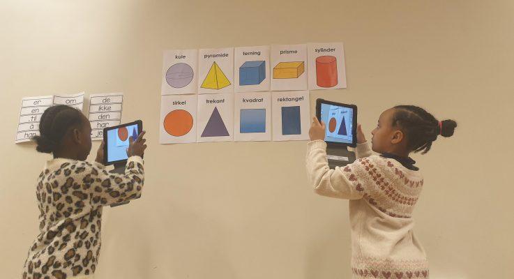 Bilder fra 2.klasse – tema symmetri og geometriske figurer
