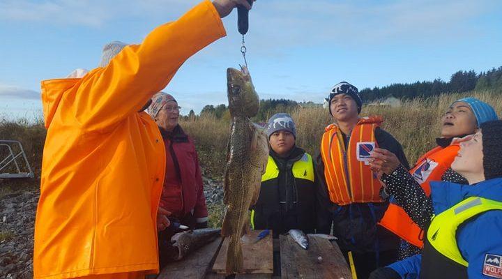 Kystliv: ribbtur, dra garn, roing, sløying og filetering av fisk.