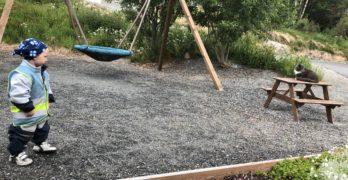 Tur til lekeplassen i Vikan